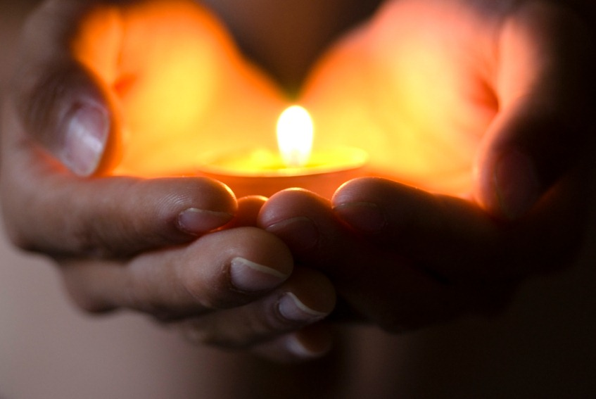 hand-candle-heart